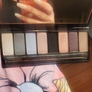Make Up Forever Midnight Glow Eyeshadow palette